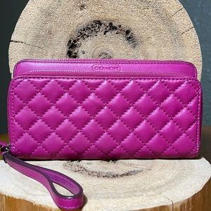 COACH Park Leather Quilted Double Zip Wallet